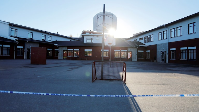 Avspärrning vid Kronan i Trollhättan. Foto: Adam Ihse/TT.