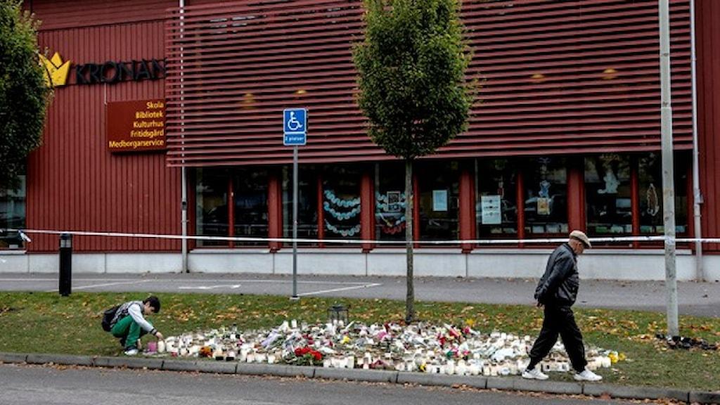 Kronans skola i Trollhättan. Minnesplats efter skolattacken. Foto: Adam Ihse/TT.