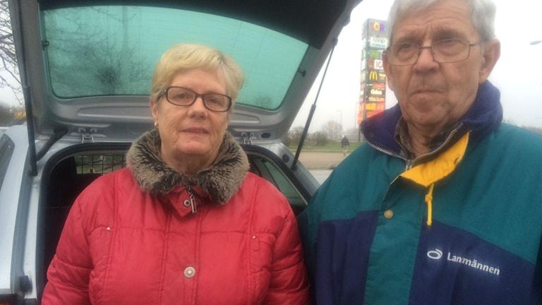 Majvor Persson och Tyrone Persson var på Torp för att handla och hade inga problem att hitta bilen.