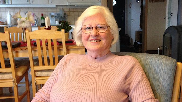 Pensionären Jörel Thoresson i en fåtölj i sitt hem, i Tanumshede.