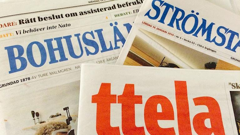 Tidningarna Bohusläningen, Strömstads tidning och Ttela. Foto: Susanna Wictorzon/Sveriges Radio.