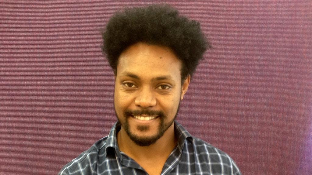 Isaac Mehari flydde från Eritrea för snart två sedan och bor just nu på Restad gård i Vänersborg.
