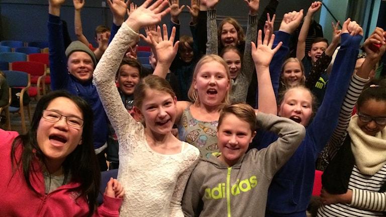 Tristan Nordblom och Kajsa Oscarsson från Hamburgsundskolan vinnerbild Vi i femman 2016