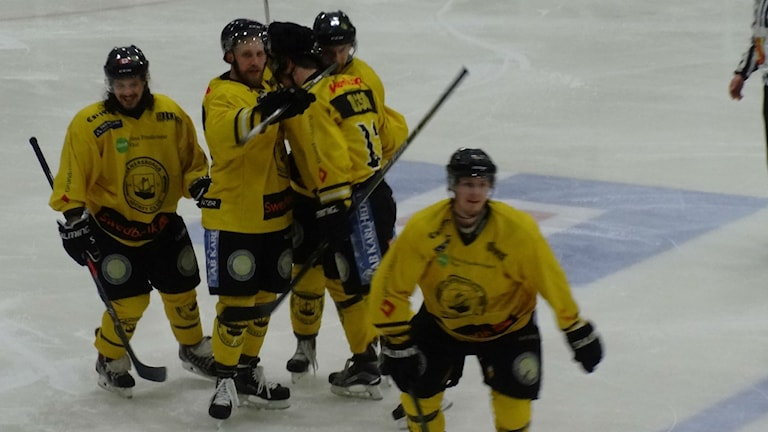 Ishockey Vänersborg HC jublar
