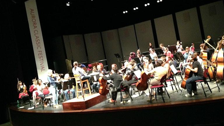 Bild på orkester.