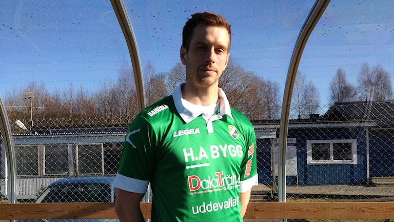Alexander Mellqvist mittback i LSK på sin gamla hemmaplan Strömsvallen i Lilla Edet