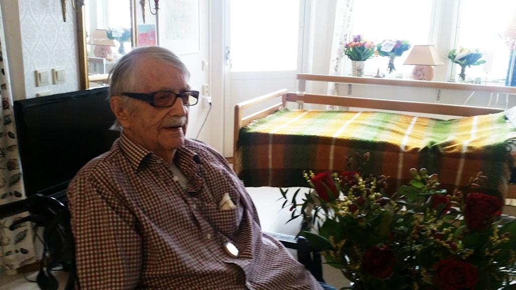 Carl Mattsson fyller 108 år, det gör honom till Sveriges näst äldsta man.