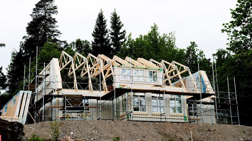 Ett husbygge.