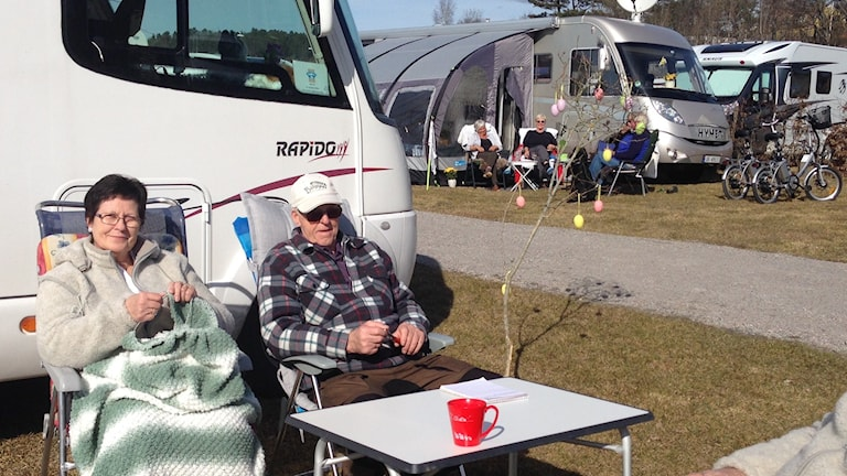 Campingkompisarna Eldbjörg Ryeng Ödegård och Arne Ringvold från Sör-Norge ska fira påsk i Strömstad.