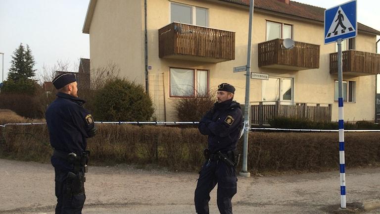 Polis bevkar avspärrningarna i Åmål