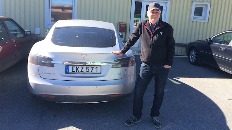 Olof Börjesson är en av de som beställt Teslas nya budgetmodell som visades idag.