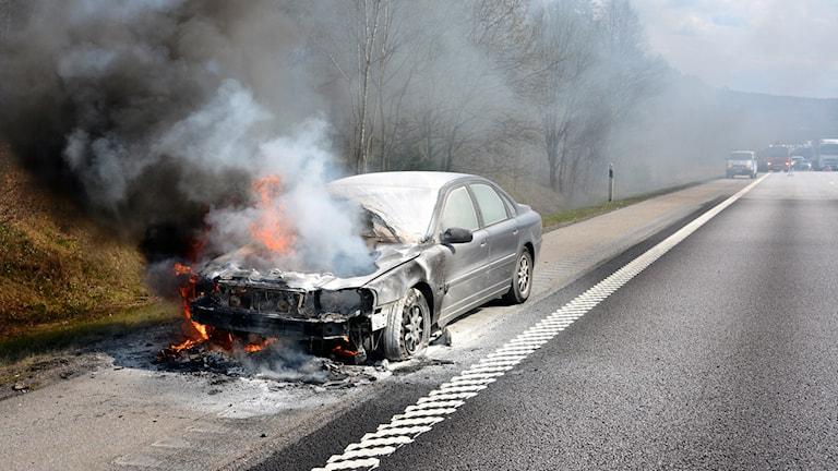 Bilbrand på E6 Nyheter STO