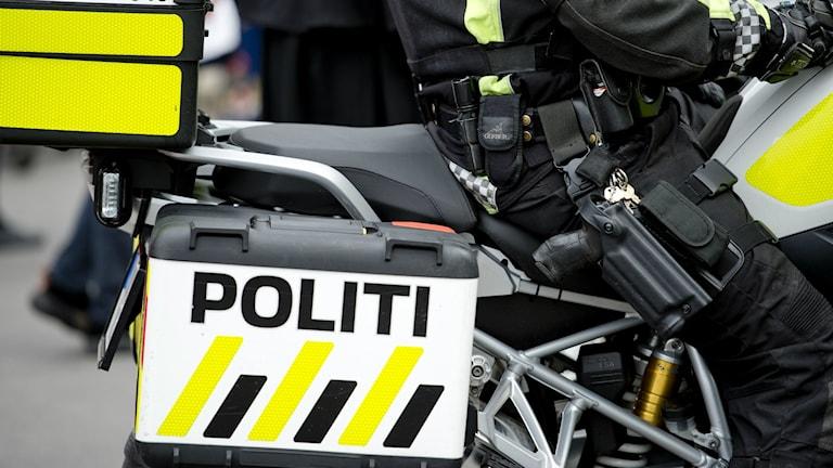 Norsk polis på motorcykel.