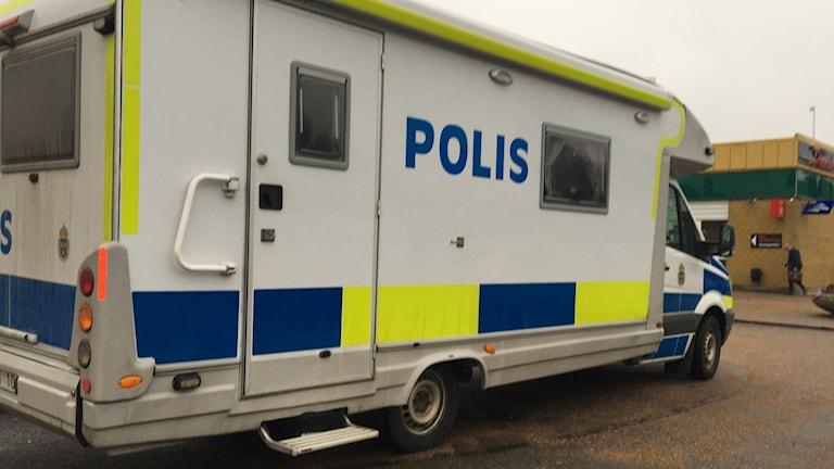 En polisbuss.