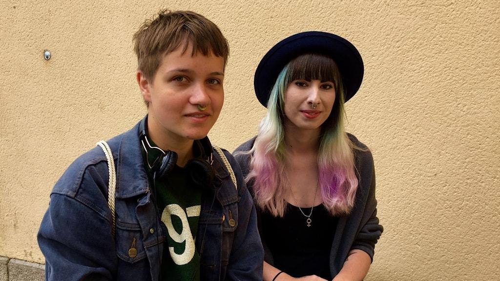Hilma Kekkonen Orell och Denise Olsson Bergqvist ställde upp som arrangörer av pridefestivalen i Uddevalla när den förra organisationen beslöt ställa in.