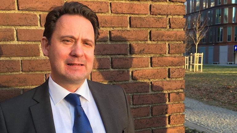 Chefsåklagare Olof Sahlgren utanför ekobrottsmyndigheten i Göteborg