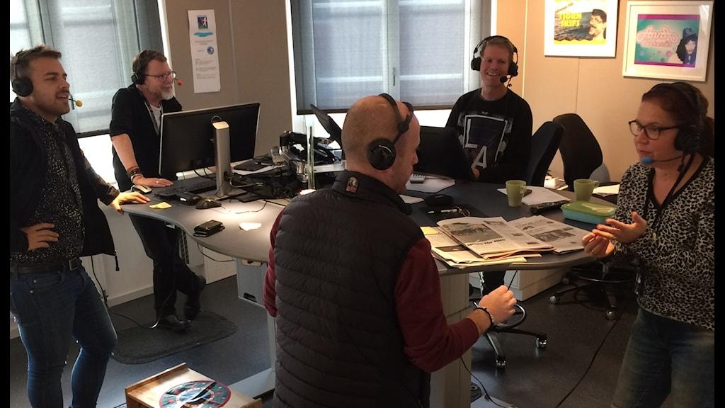 Förmiddagsstudion i Uddevalla. Tommy, LG, Kim, Skoob och Peter Jublar!