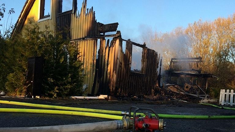 Villan i Helenedal brann ner till grunden.