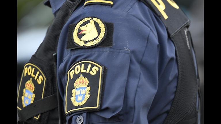 POLIS HUNDFÖRARE