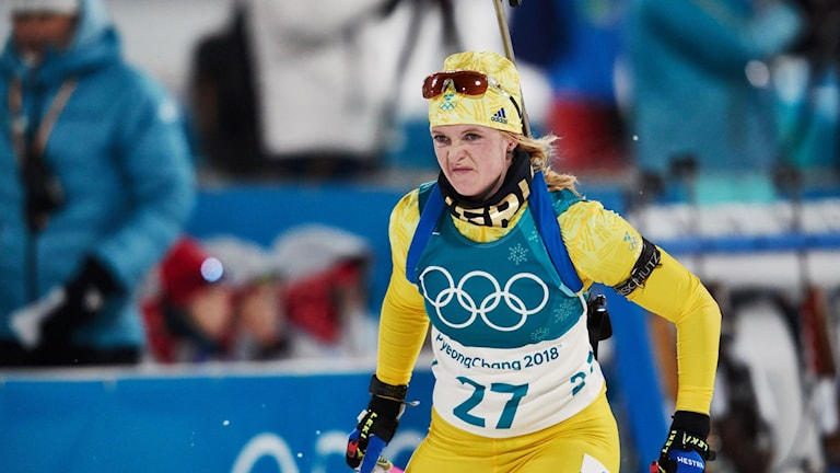 Skidskytten Mona Brorsson vid jaktstarten i OS i Pyeongchang