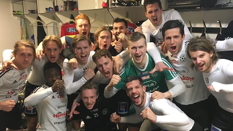Vänersborgsspelarna jublar.