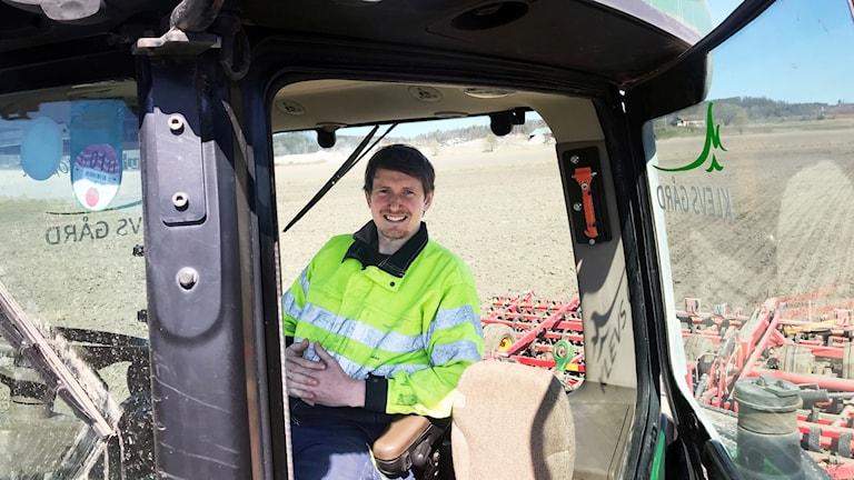 Johan Christensson i traktorn