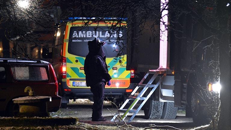 Bombgruppen på plats i Brålanda.