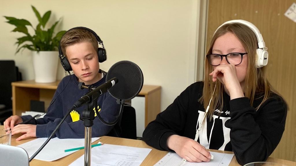 Arvid Olsson och Elma Irevärn från Ljungskileskolan.