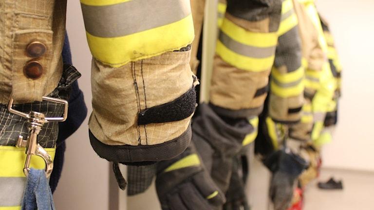 Bild på brandmanskläder
