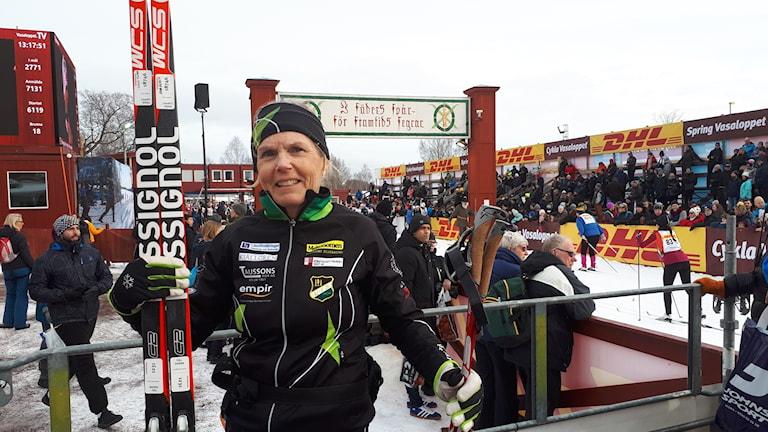 Agneta Öster framför mållinjen i Mora