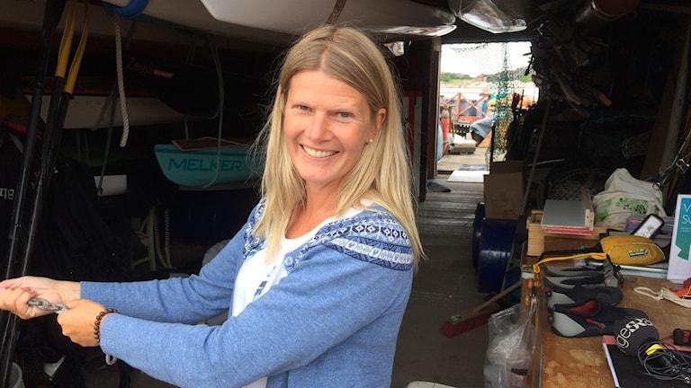 Ingela Holgersson, projektledare för Hållbar skärgård i sin sjöbod i Grebbestad.