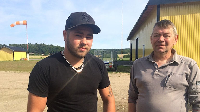 Cliff Nyqvist och Peter Nilsson vid Uddevalla flygklubb
