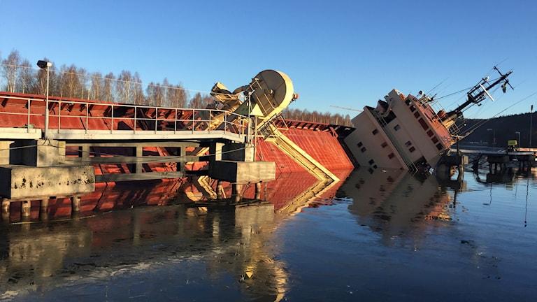 Lastfartyg olycka Lilla Edet