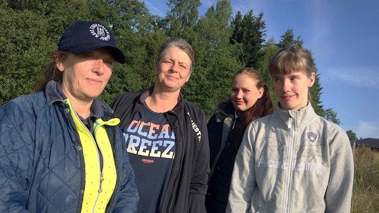 EM-guld i hoppning firas av Marianne Götberg, Catarina Lindhé, Linnea Ljungqvist, Liv Lind