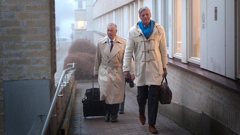 Saabrättegång Victor Muller med sin advokat Hans Strandberg vid Vänersborgs tingsrätt