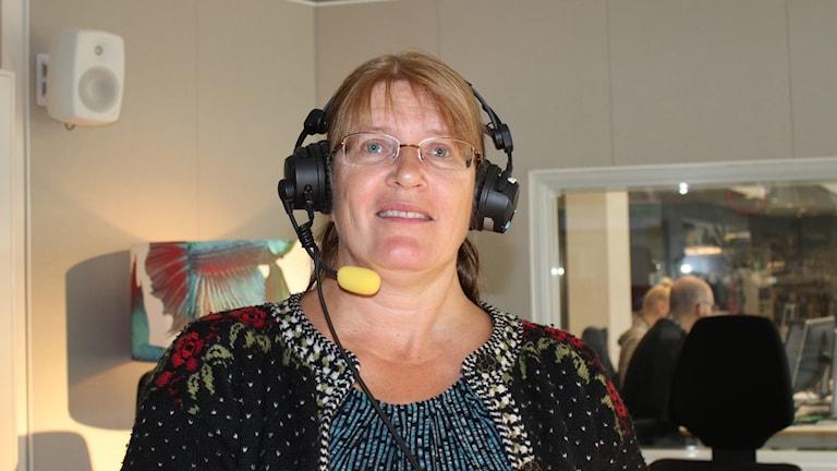 folkmusikentusiast i radiostudio