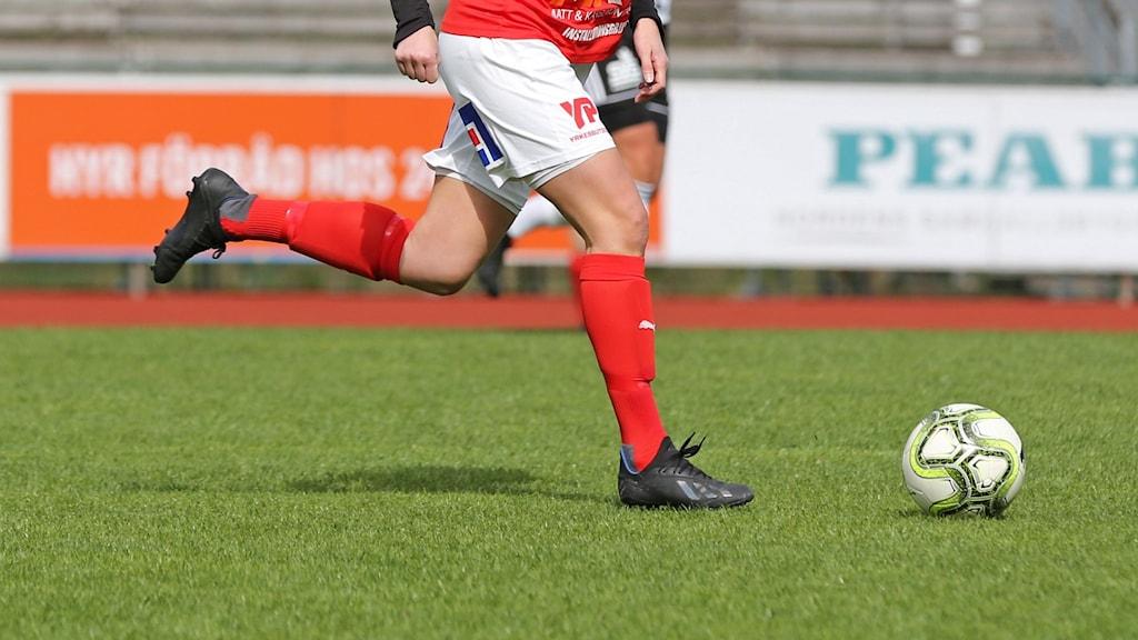 Malin Skoglund Matchbild från Rimnersvallen mellan Rössö och Skoftebyn 4 maj 2019