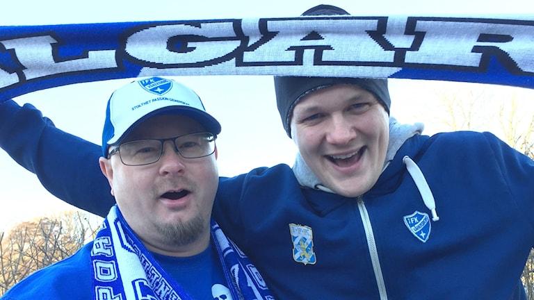 Andreas Isberg och Henrik Kjellberg, sanna IFK-fans som åker till bortamatchen mot Villa/Lidköping ikväll.