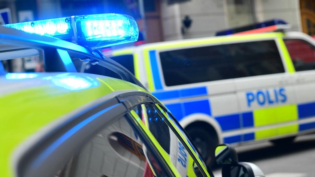 Polisbilar i utryckning