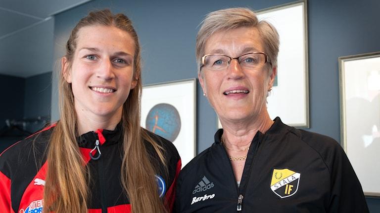 Malin Skoglund spelar i Rösse med mamma Barbro Erlandsson, ordförande i Stala IF