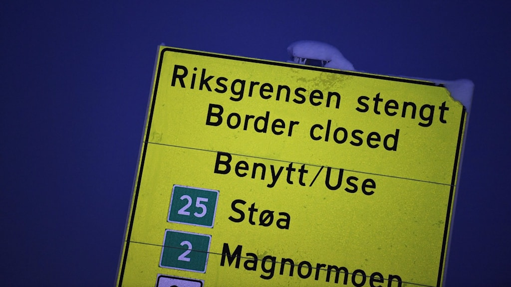 En vägskylt som talar om att vägen till Sverige är stängd.