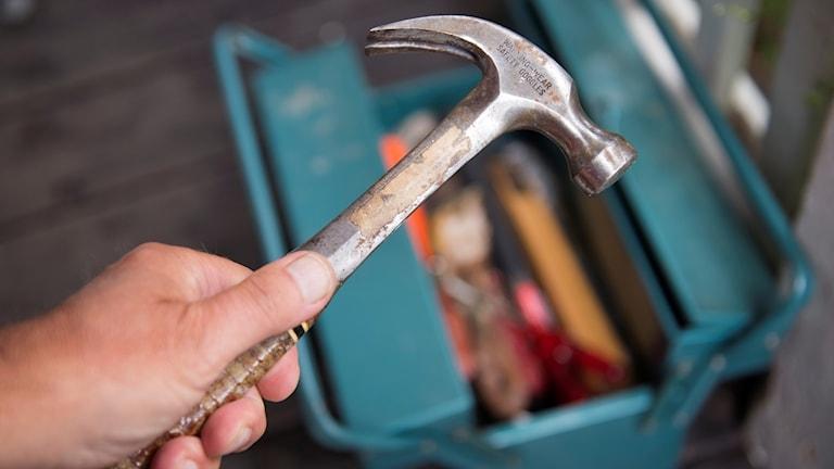bild av en hammare.