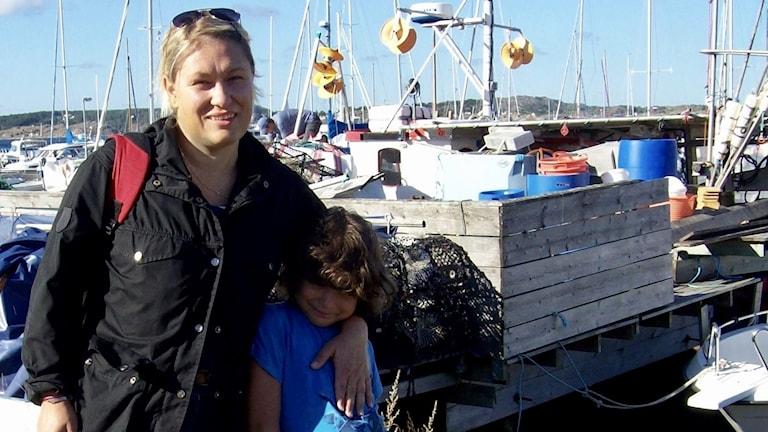 Forskaren Malin Andersson och sonen Alexander.