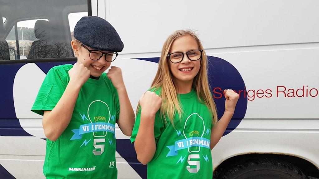 Loa Lindholm och Evelina Kvarnberg från Skaftö skola gick vidare till semifinal.