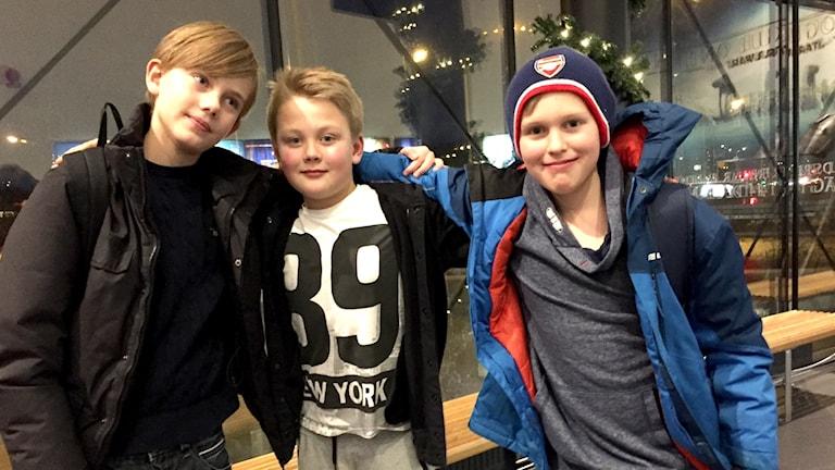 Oscar Bjurström, Simon Abelsson, Theodor Borg på bion i Uddevalla.