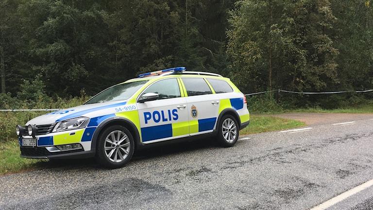Polisens avspärrning vid brottsplatsen söder om Strömstad.