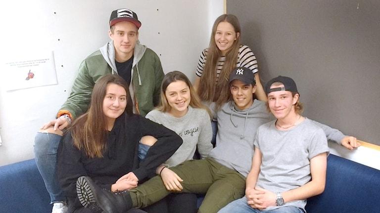 Sebastian Berg, Paulina Hermansson, Alicia Falck, Astrid Gjerdrum, Elias Aspudd och Hjalmar Lantz från gymnasieskolan Agneberg i Uddevalla