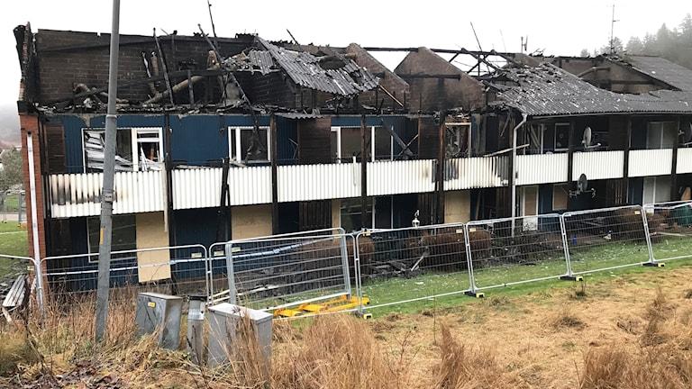 Ett flerfamiljshus på Orust brann i helgen.