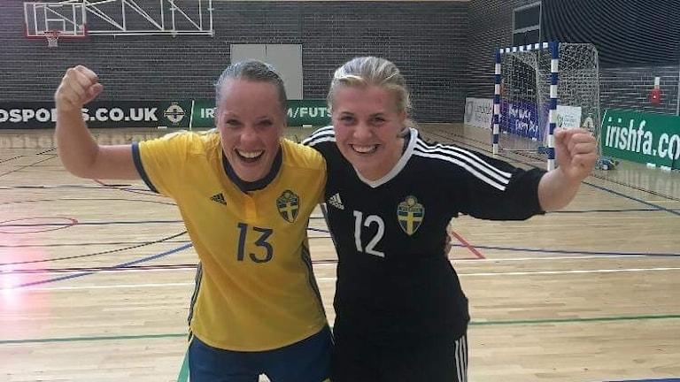 Linnea Kogstad till vänster och Hilma Lundqvist till höger.