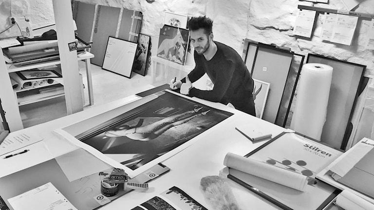 Fotografen och regissören Fredrik Etoall.